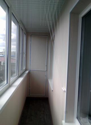 obshika-balkona-plastikovymi-panelyami