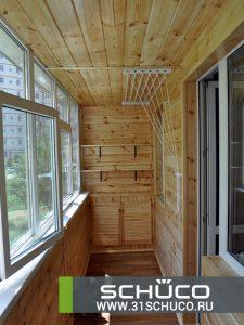 otdelka-balkona-derevyannoj-evrovagonkoj-06-1