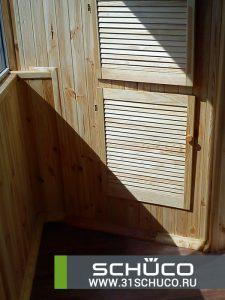 otdelka-balkona-derevyannoj-evrovagonkoj-09-2